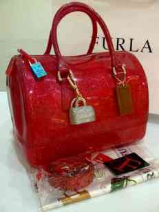 Furla gliTers semi Ori RED 30x18x20(cio) ♏ά̲̣̥u̲̅ cepat y㪠stock terbatas ;)